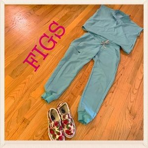 💕✨BNWT FIGS WITH TAGS IN COLOR SEA GLASS XS✨💕